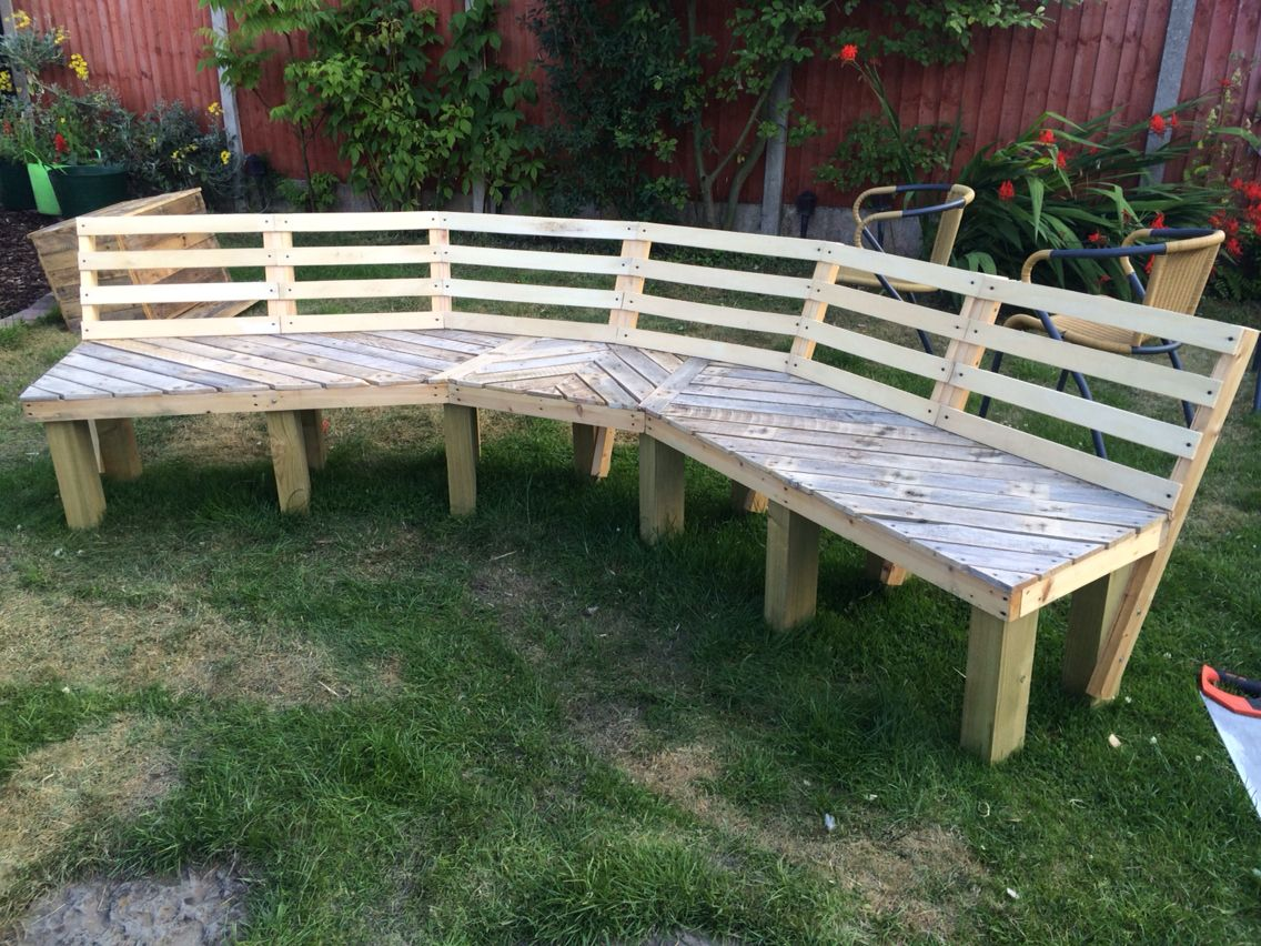 Now Just Needs To Be Painted Upcycled Curved Fire Pit Bench Made From Old Pallets And Bed Slats Fire Pit Bench Wooden Bench Plans Outdoor Fire Pit