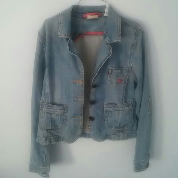 Levi's Jean Jacket! I bought this in the late '90's and it was a fave of mine. Very feminine and flattering due to tailoring. Little hot pink embroidered heart on breast pocket. Great condition! Levi's Jackets & Coats Jean Jackets