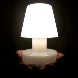 Lampe Portable Bloom Solar Bloom Allumee Jardinchic Table Lamp Outdoor Lighting Solar