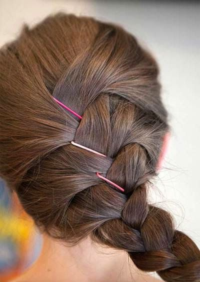 10 Life-Changing Ways to Use Bobby Pins