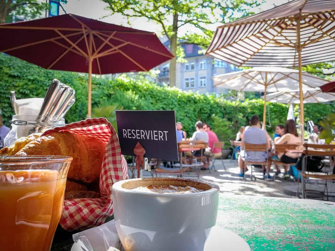 Brunch Im Café Des Amis In Zürich Brunch Restaurants Brunch