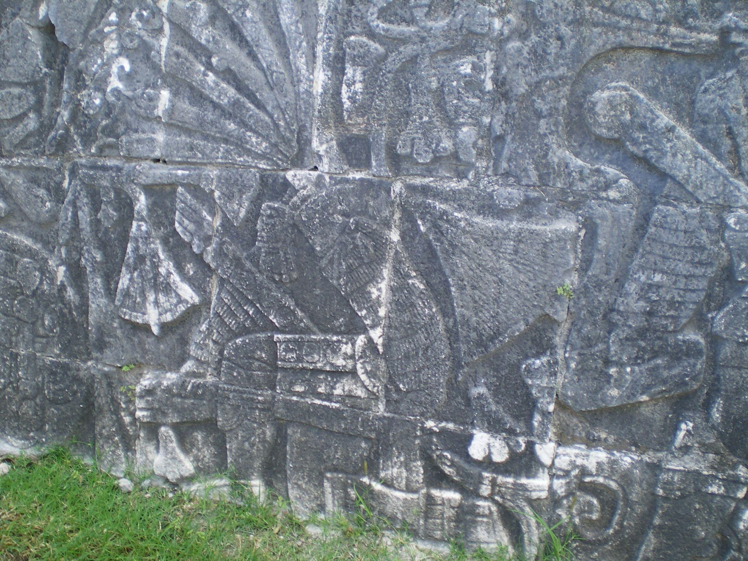 """....es sólo la litografía de un sacrificio humano..¡¡...""""cultura tolteca-maya""""...periodo clásico en Chichen Itza."""