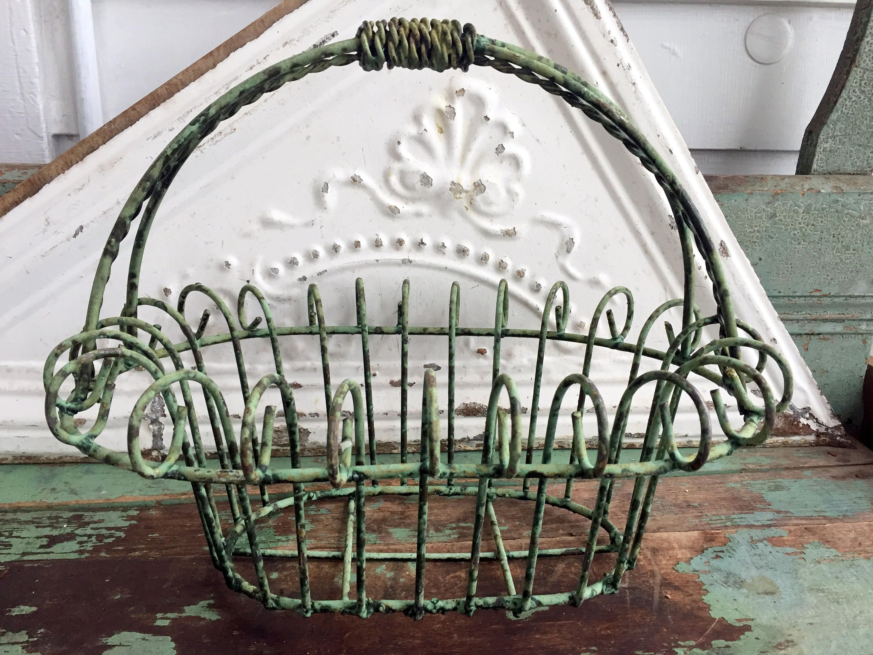 Vintage Chippy Green Paint Rustic Metal Wire Basket Planter ...