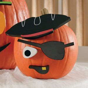 pumpkin decorating amazoncom halloween pumpkin decorating kit pirate