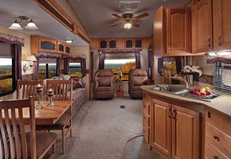 I would love to have this trailer... So much more room!