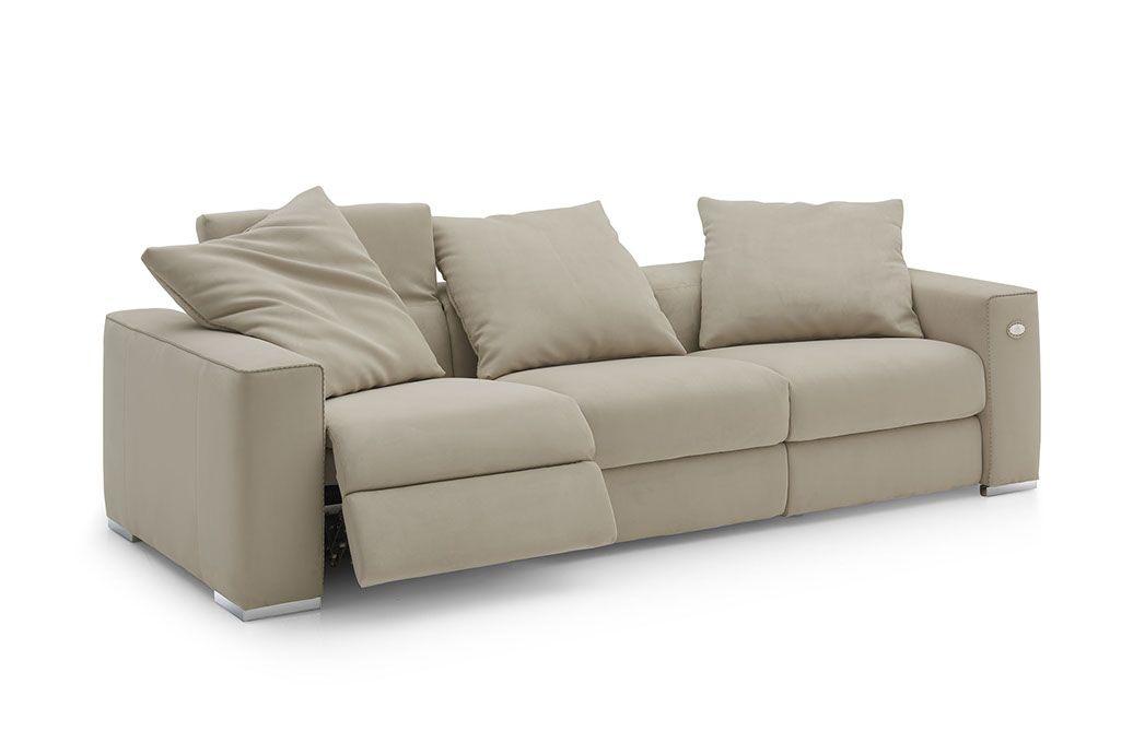 Abbraccio Sofa With Images Luxury Couch Furniture Fendi Casa