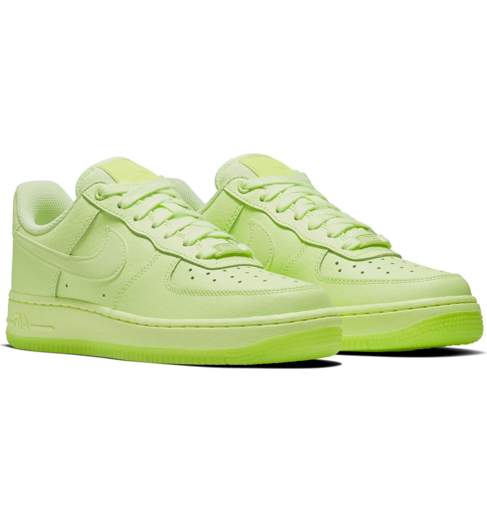 Nike Air Force 1 '07 Essential Sneaker