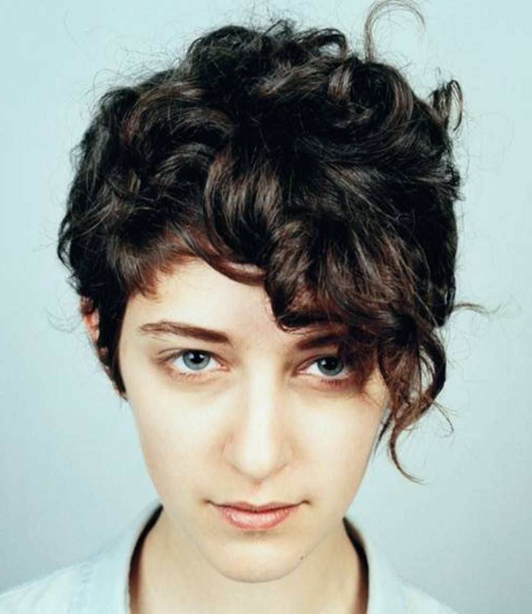 cute short hairstyles for women with thick hair short curly