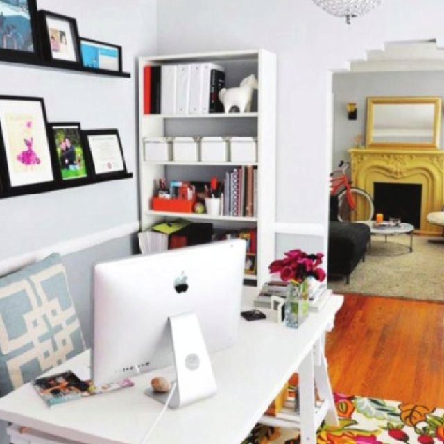 Neat little office space within the perimeter Pinterest Office