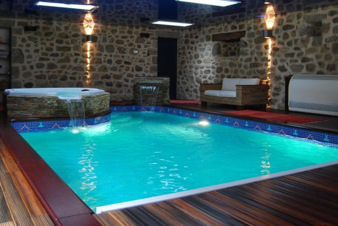 Photos de piscines int rieures piscines int rieur la for Ventilation spa interieur