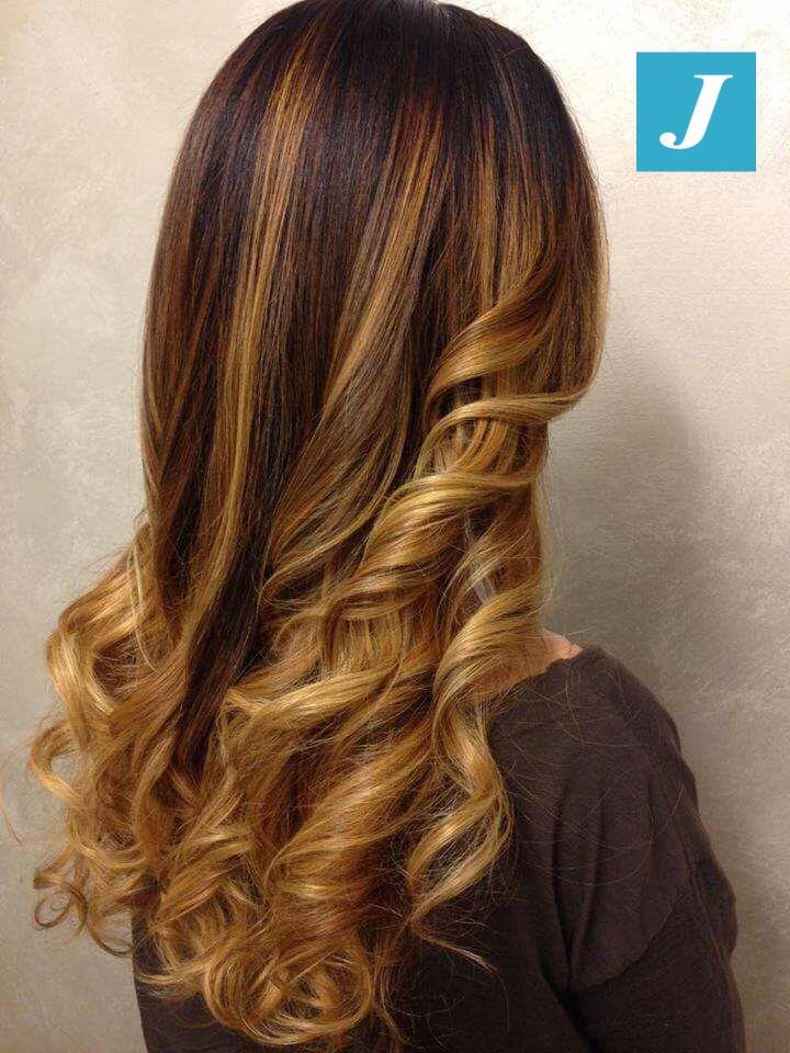 Riflessi ambrati _ Degradé Joelle  #cdj #degradejoelle #tagliopuntearia #degradé #igers #shooting #musthave #hair #hairstyle #haircolour #longhair #ootd #hairfashion #madeinitaly #wellastudionyc