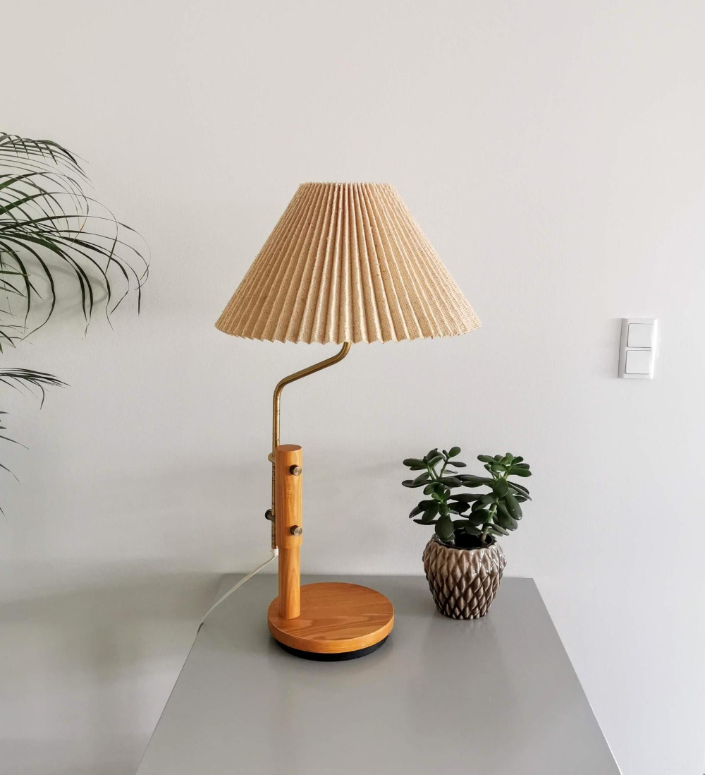 1970 S Swedish Adjustable Height Swinging Solid Pine And Brass Table Lamp With Original Hessian Pleated Shade Retro Scandinavian Design In 2020 Lamp Table Lamp Brass Table Lamps