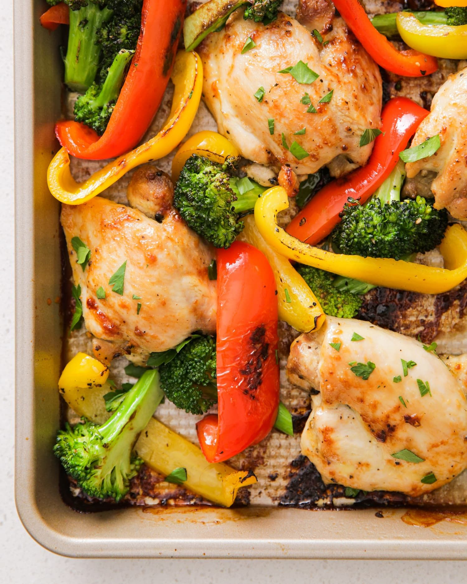 Sheet Pan Dinner With Chicken Thighs And Potatoes: 10 Easy Sheet Pan Dinners That Practically Make Themselves