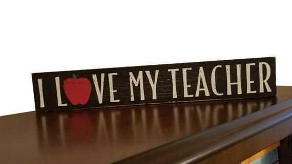 Best Teacher Ever Gift Idea Desk Plaque | Teacher Gifts | Thanksgiving Gifts for Teachers | Inexpensive Christmas Gifts for Teachers