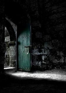green door in the castle | Very cool photo blog