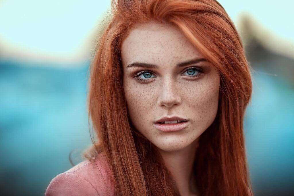 Haare rote grüne augen Rote Haare