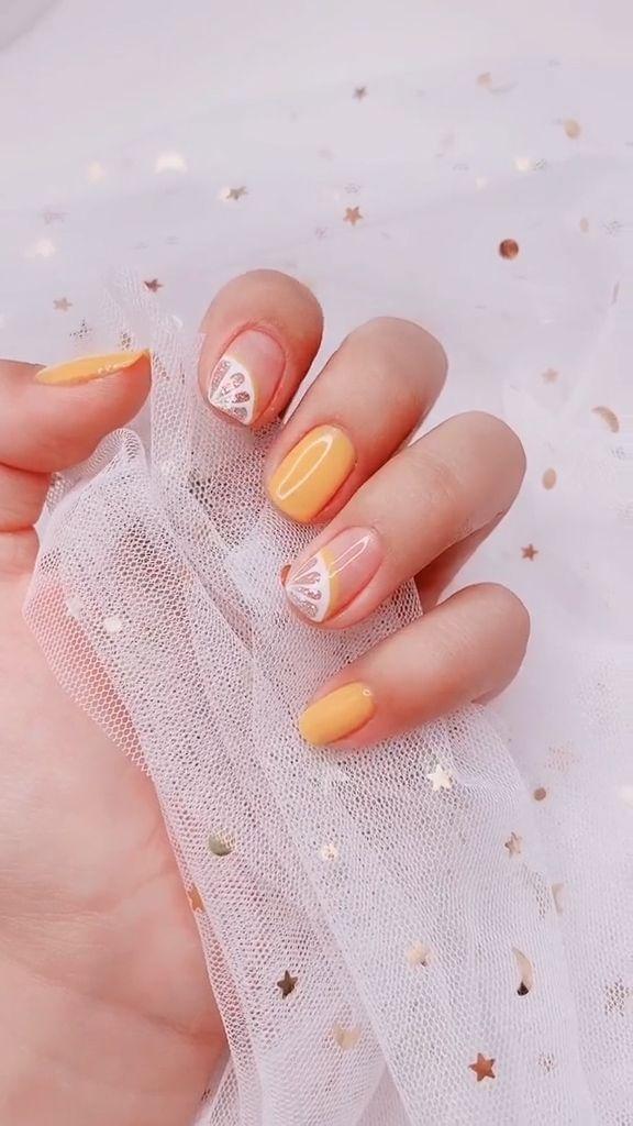Lemon Nail Art Designs to Try
