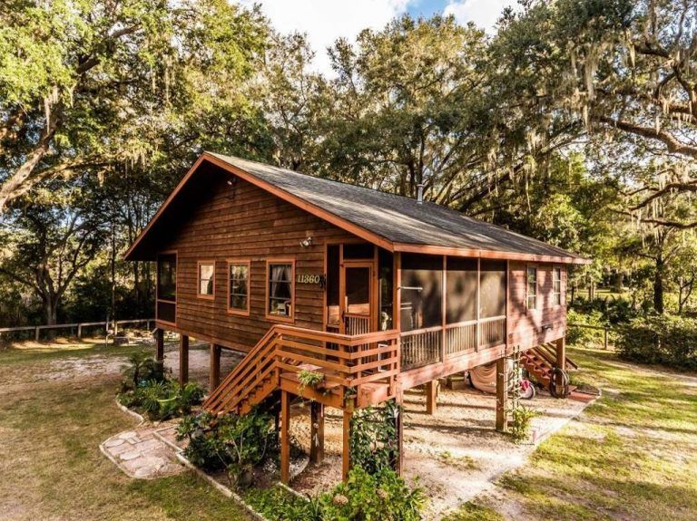 2 Bedroom Cabin Home With Guest Home House Exterior Stairs House In The Woods House On Stilts Small House Swoon