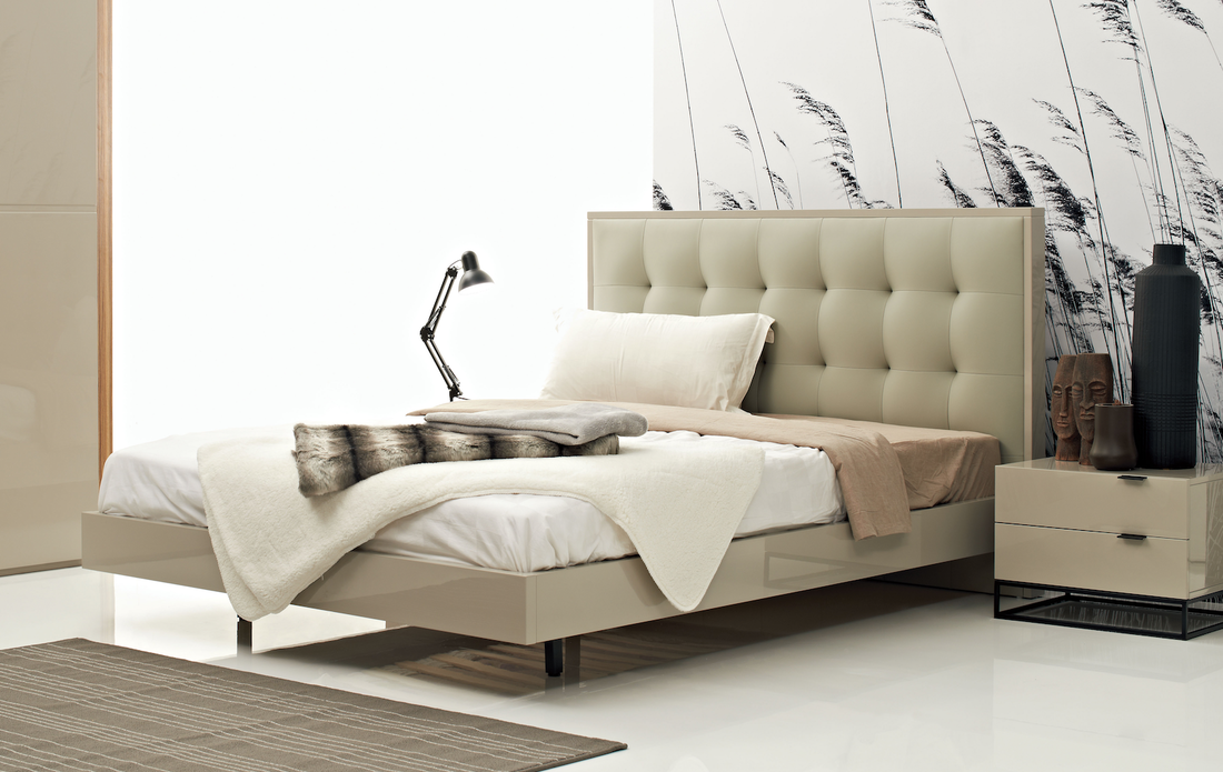 Plano bed frame available in a King & queen size. DSL Furniture hong ...
