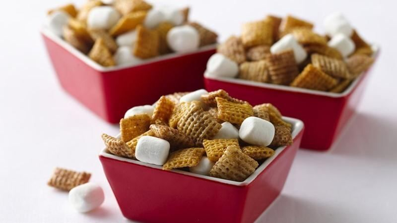 Hot Buttered Yum Party Mix
