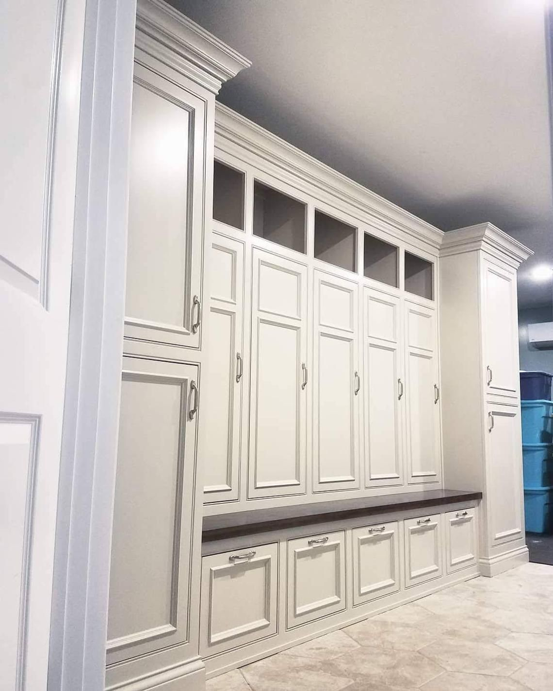 The Georgia Deluxe Mudroom Lockers Bench Storage Furniture Etsy Mudroom Lockers Mud Room Storage Bench With Storage