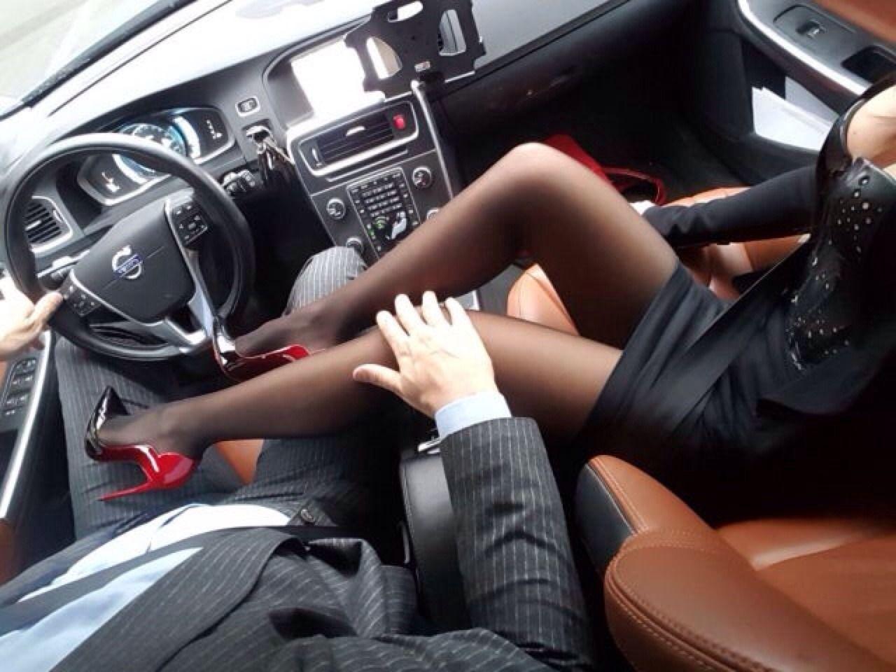 Секс с женой в машине бесплатно