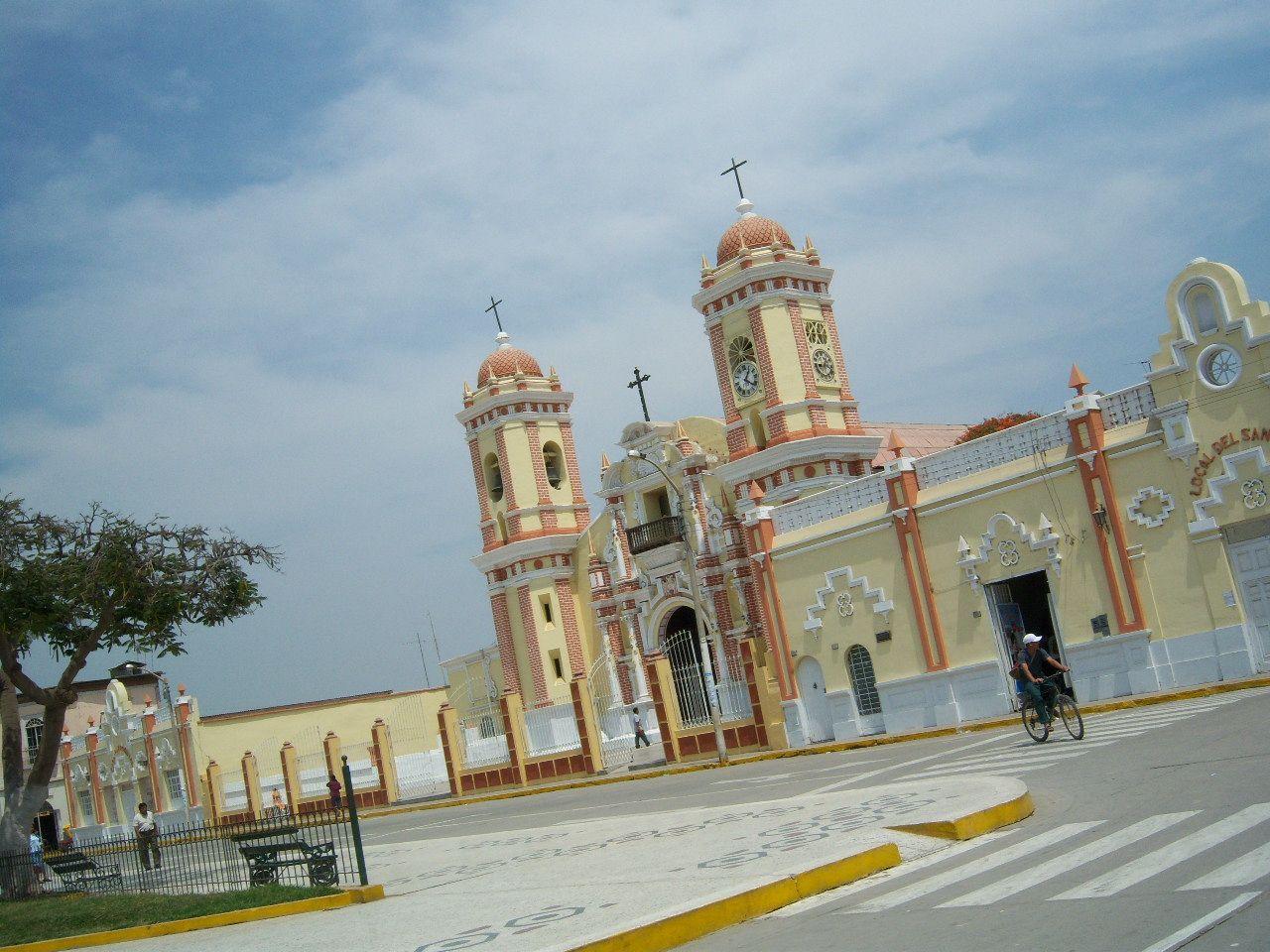 Plaza principal de Ferreñafe