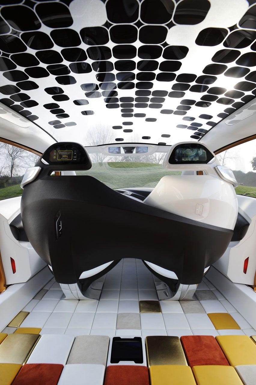 2011 Renault R-Space Concept Interior - 2 cameras replacing mirrorposition - 2 displays beneath interior mirror