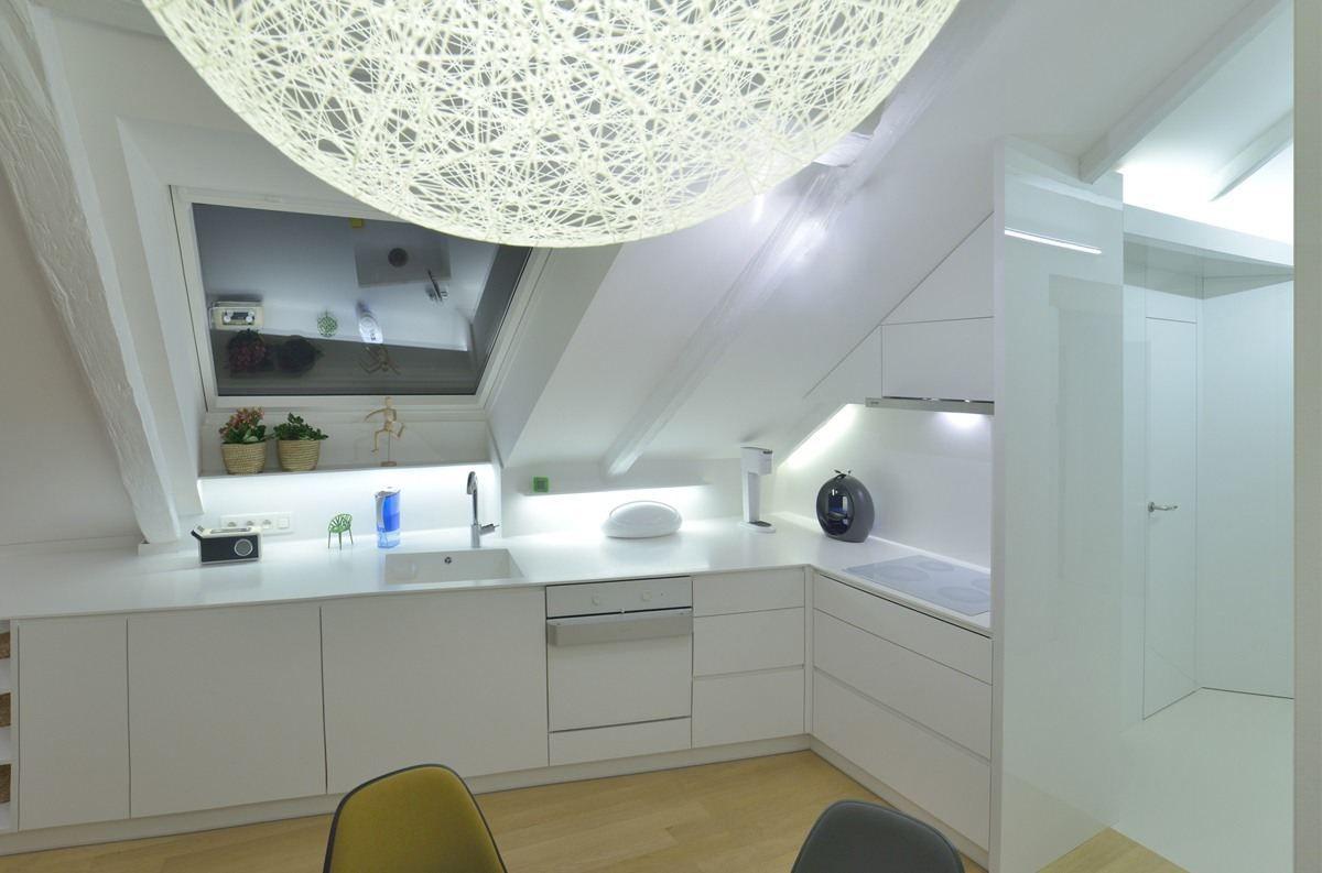 Una cucina tutta bianca #mansarda http://www.mansarda.it/mansarde ...