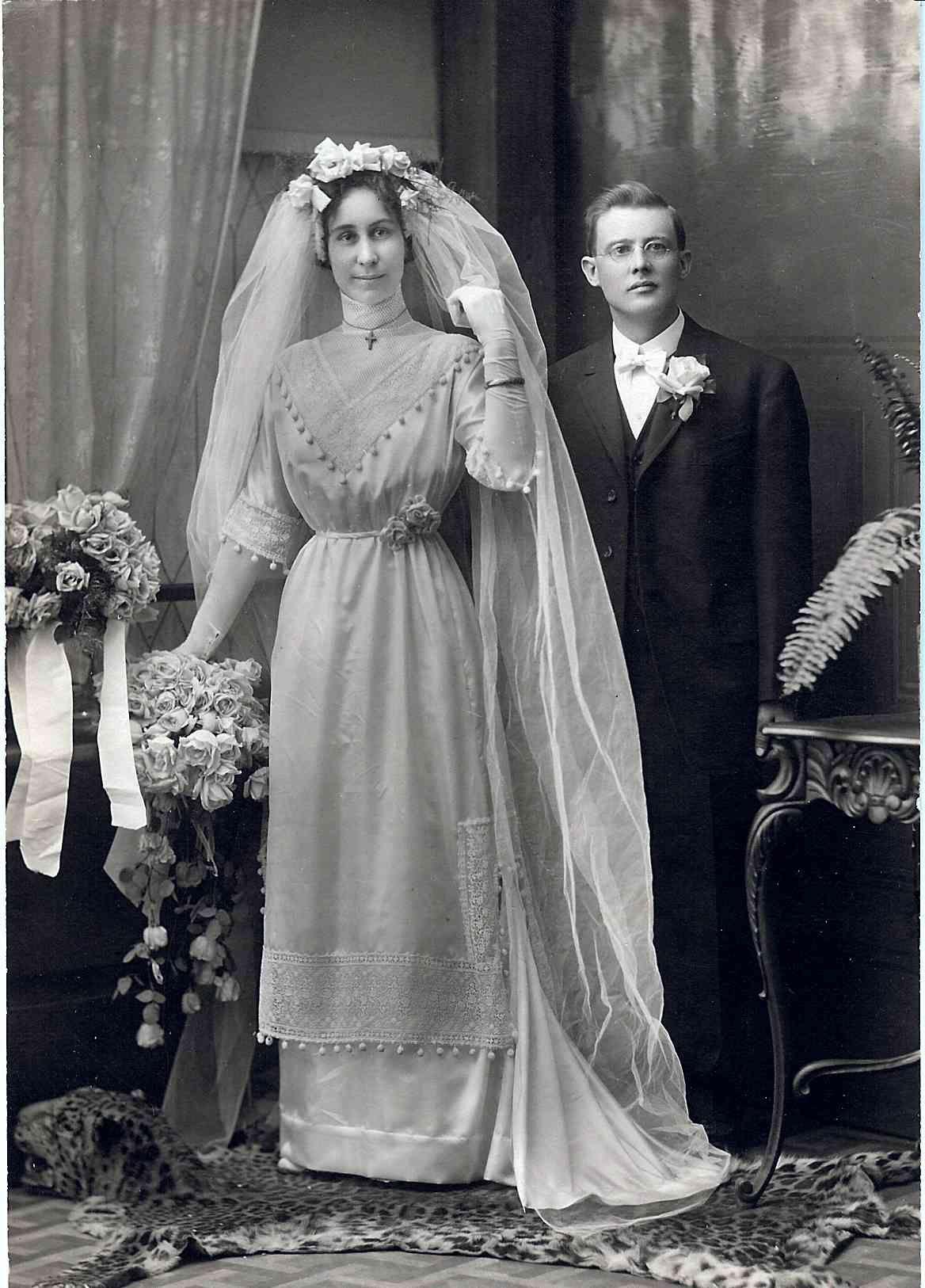 1910 wedding dress styles