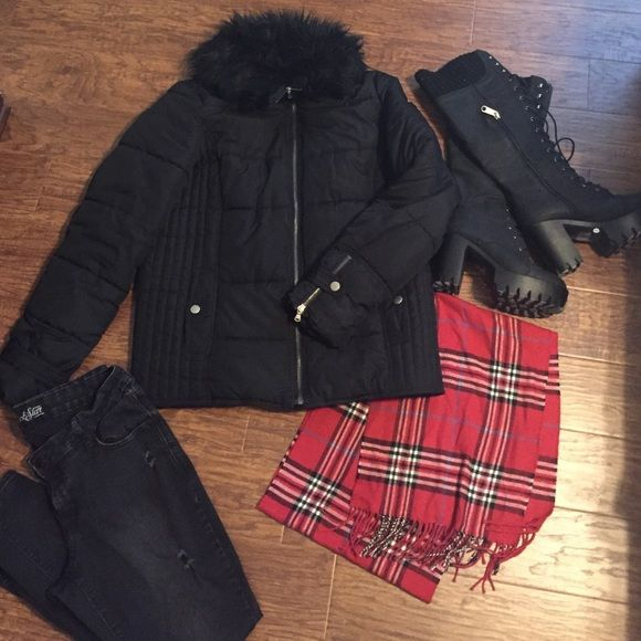 Old navy puff jacket with faux fur color. Excellent used condition. Old navy puffy coat with a faux for collar. Zip up. No hood. Snap flap pickets and sleeves. No stains or rips. Old Navy Jackets & Coats Puffers