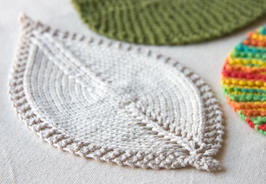 Knitting Dishcloth For Beginners : An easy leaf shaped washcloth that makes a great quick