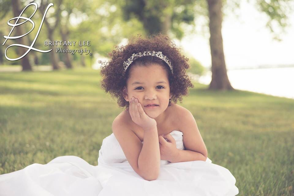 Pictures in her mo seeding dress! ❤️ www.BLphotographs.com