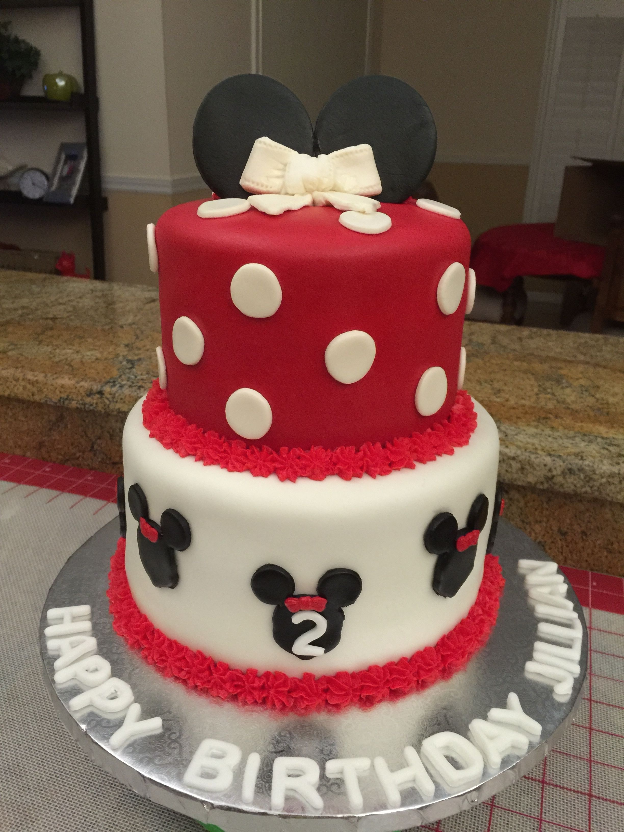Minnie mouse cake minnie mouse cake creative cakes