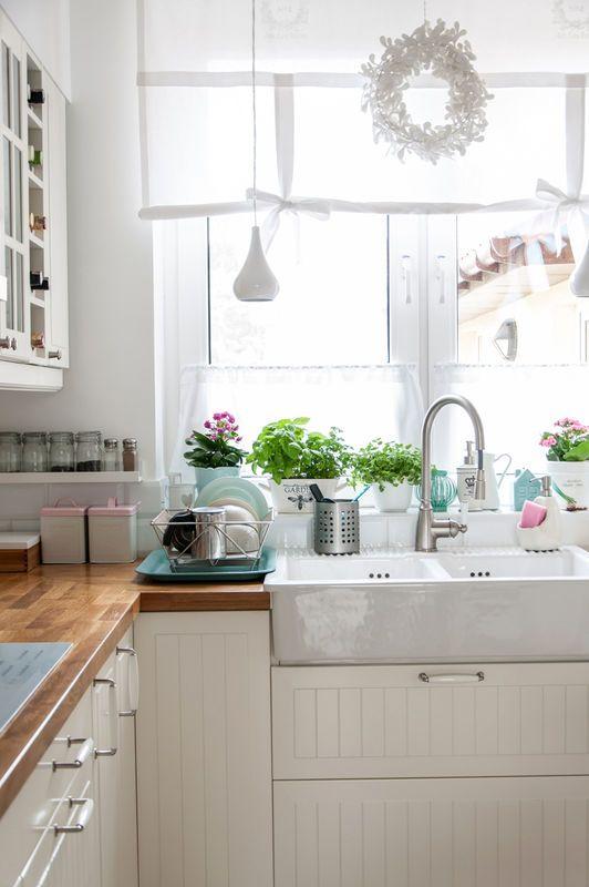 Nowoczesna Klasyka Aranzacja I Wystroj Wnetrz Small Apartment Kitchen Decor Kitchen Decor Apartment Small Apartment Kitchen