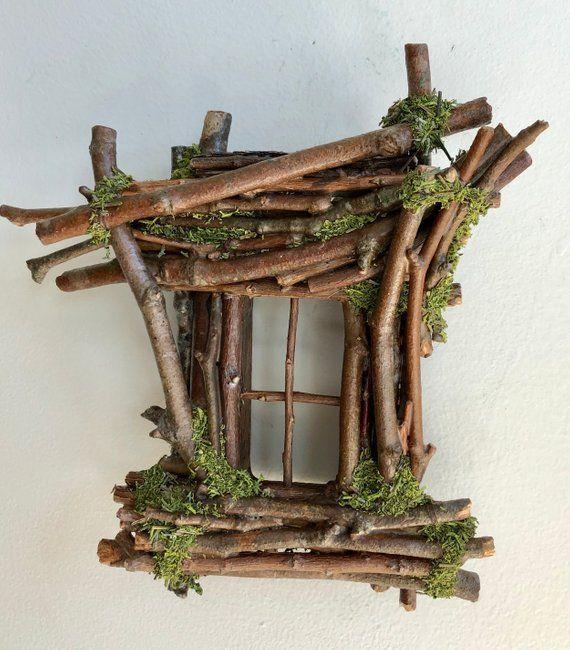 Feenfenster mit Blumenkorb und Licht Handarbeit von | Etsy   - Holz, Ideen mit Holz -   #Blumenkorb #Etsy #feenfenster #Handarbeit #holz #Ideen #Licht #mit #und #von #flowerbeds