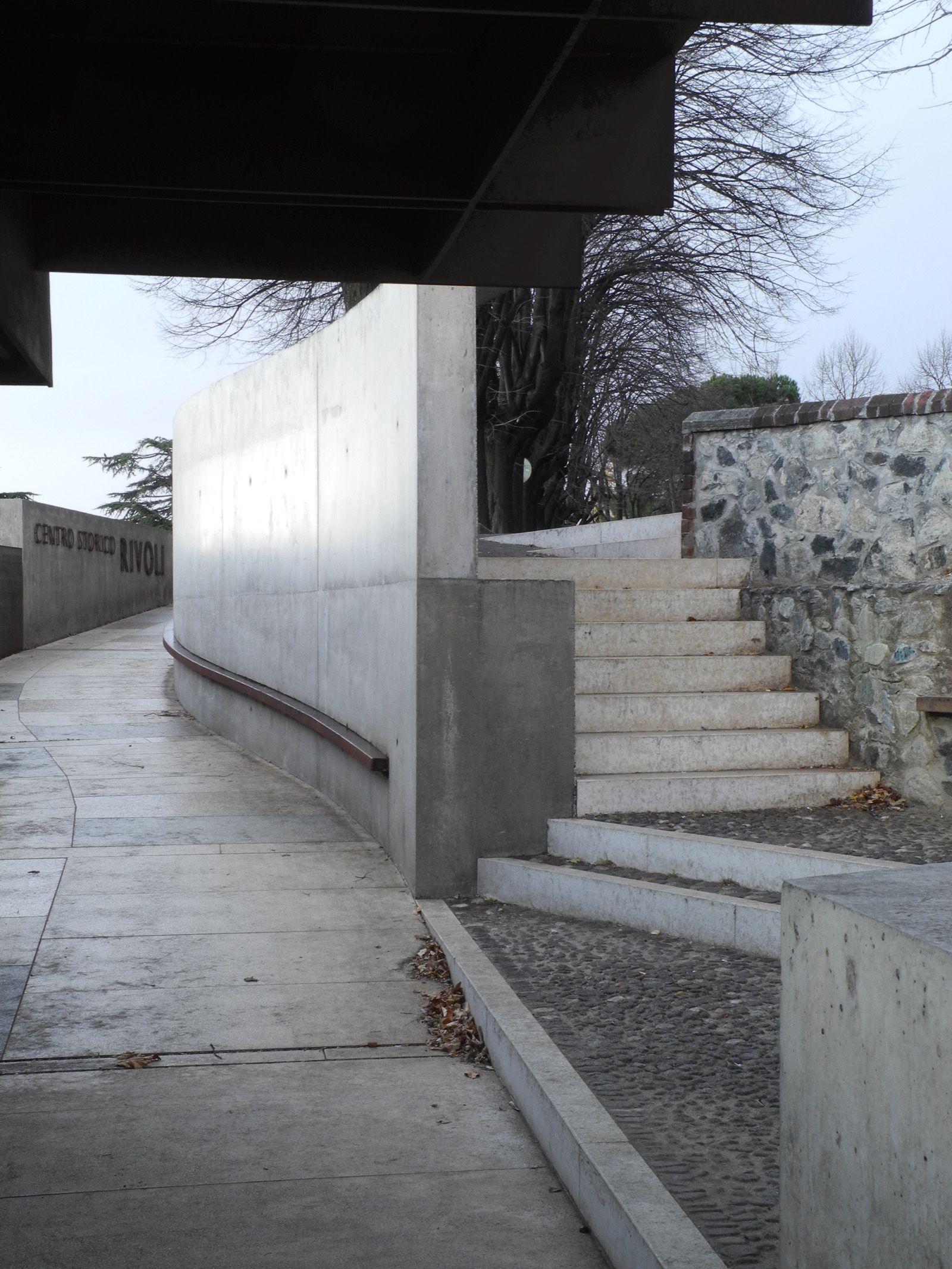 Scale Di Risalita Casa risalita al castello di rivoli   museos, arte, arte