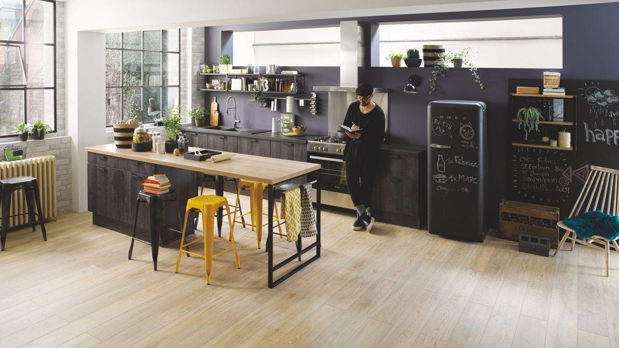 Cuisine Equipee Industrielle En L Vega Bois Noire Cuisinella
