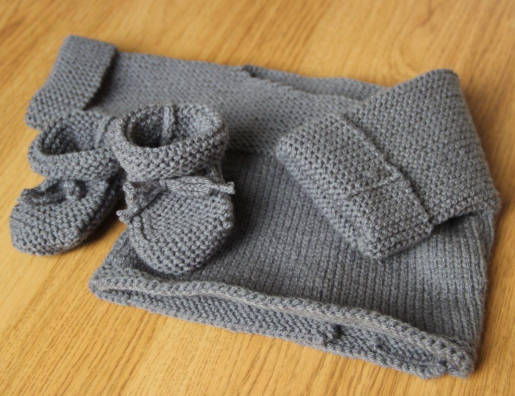 Tricot Nouveau-né : brassière et chaussons en 2020   Pull tricot bebe, Tricot, Tricot layette