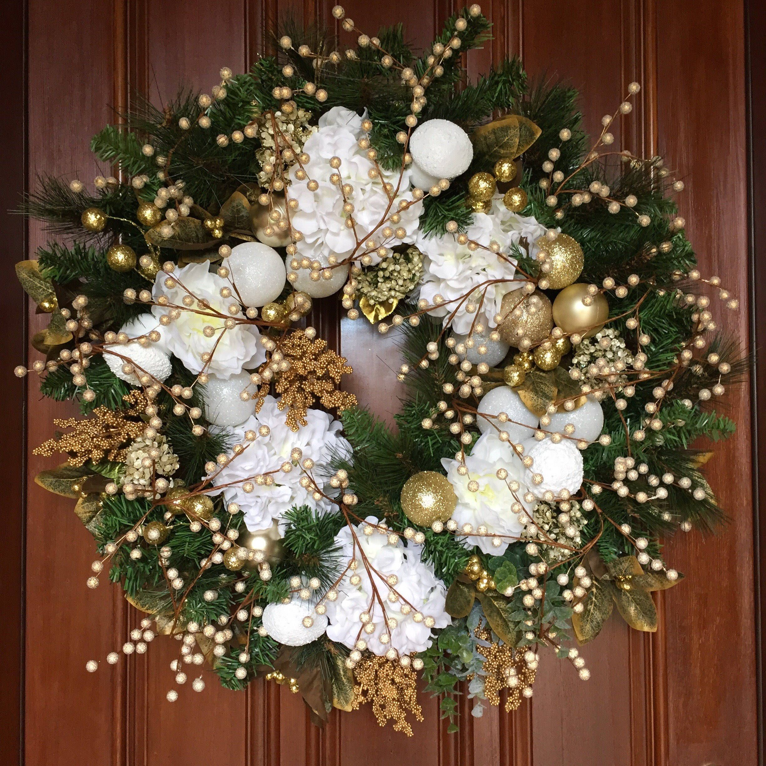 Pin by Rhonda Stephani on Holiday Floral Decor