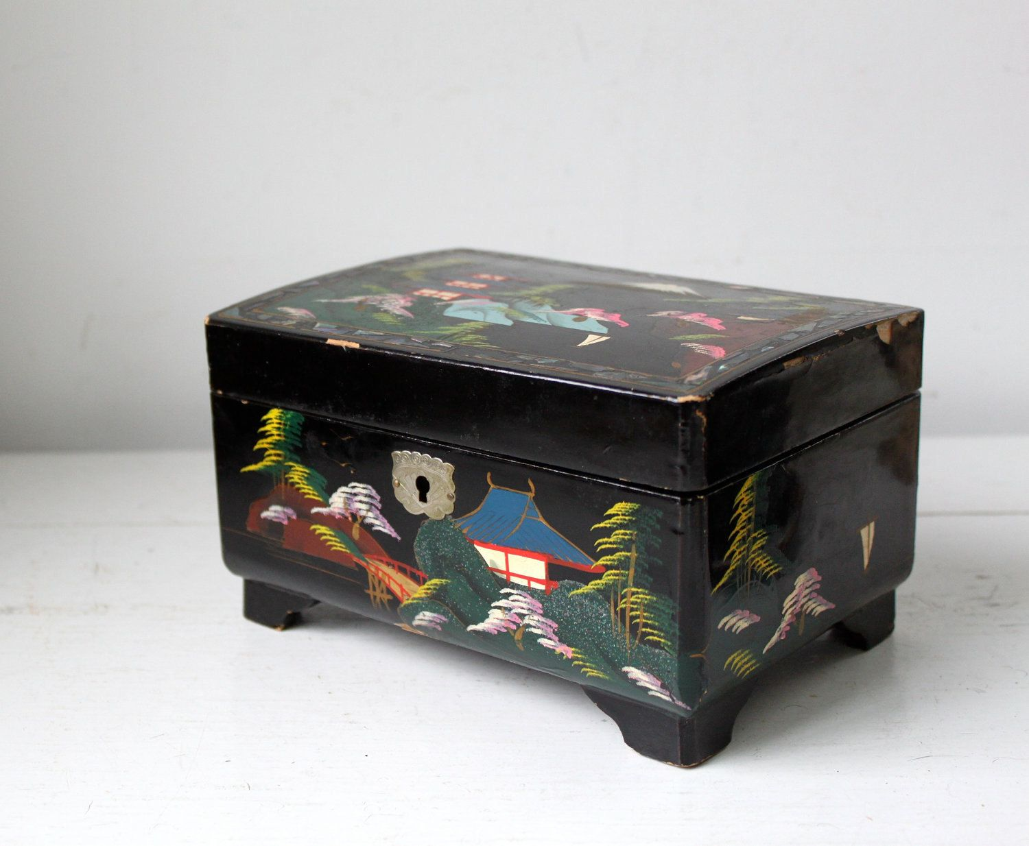 Vintage 1950s Musical Jewelry Box Handpainted On Black Lacquer With Mother Of Pearl Inlay From Japan Music Box Vintage Musical Jewelry Box Music Box Jewelry