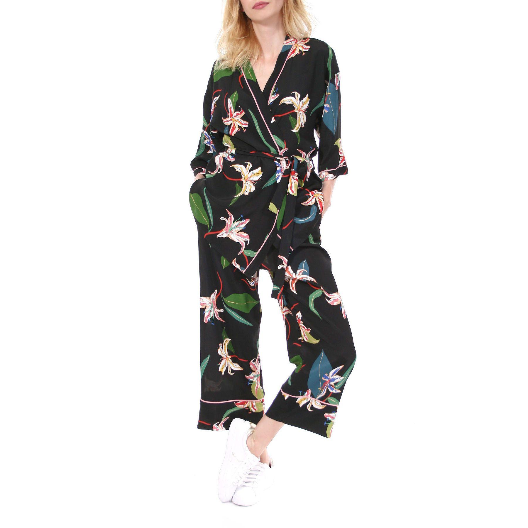 Kimono Reiko After Dark Aggi Showroom In 2020 Silky Pajamas Silk Pajamas Kimono