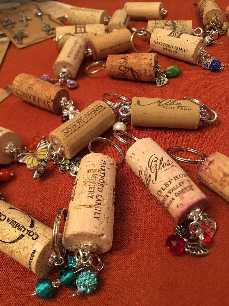 Wine Cork Keychains Wine Cork Decor Wine Gifts New Home Gifts New Car Gifts Birthday For Her Party Favor Gifts In 2020 Wine Corks Decor Wine Cork Wine Cork Crafts