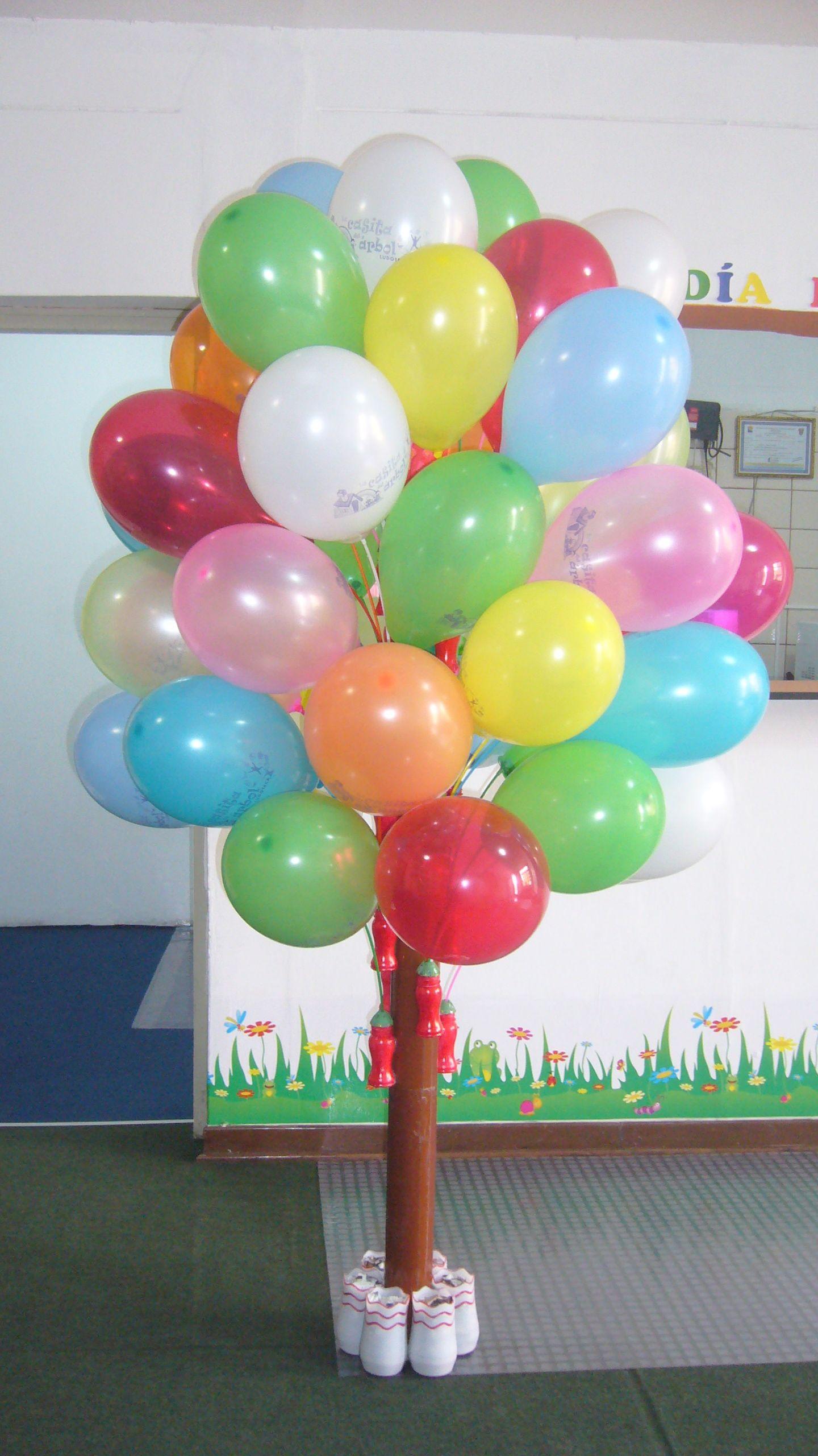 d0b2f4fb5 Un lindo porta globos, hecho con tubo de cartón (de los rollos de vinil