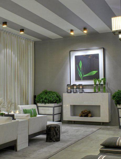 Streifen-an-der-Decke-wohnzimmer-grau | Decke streichen ...