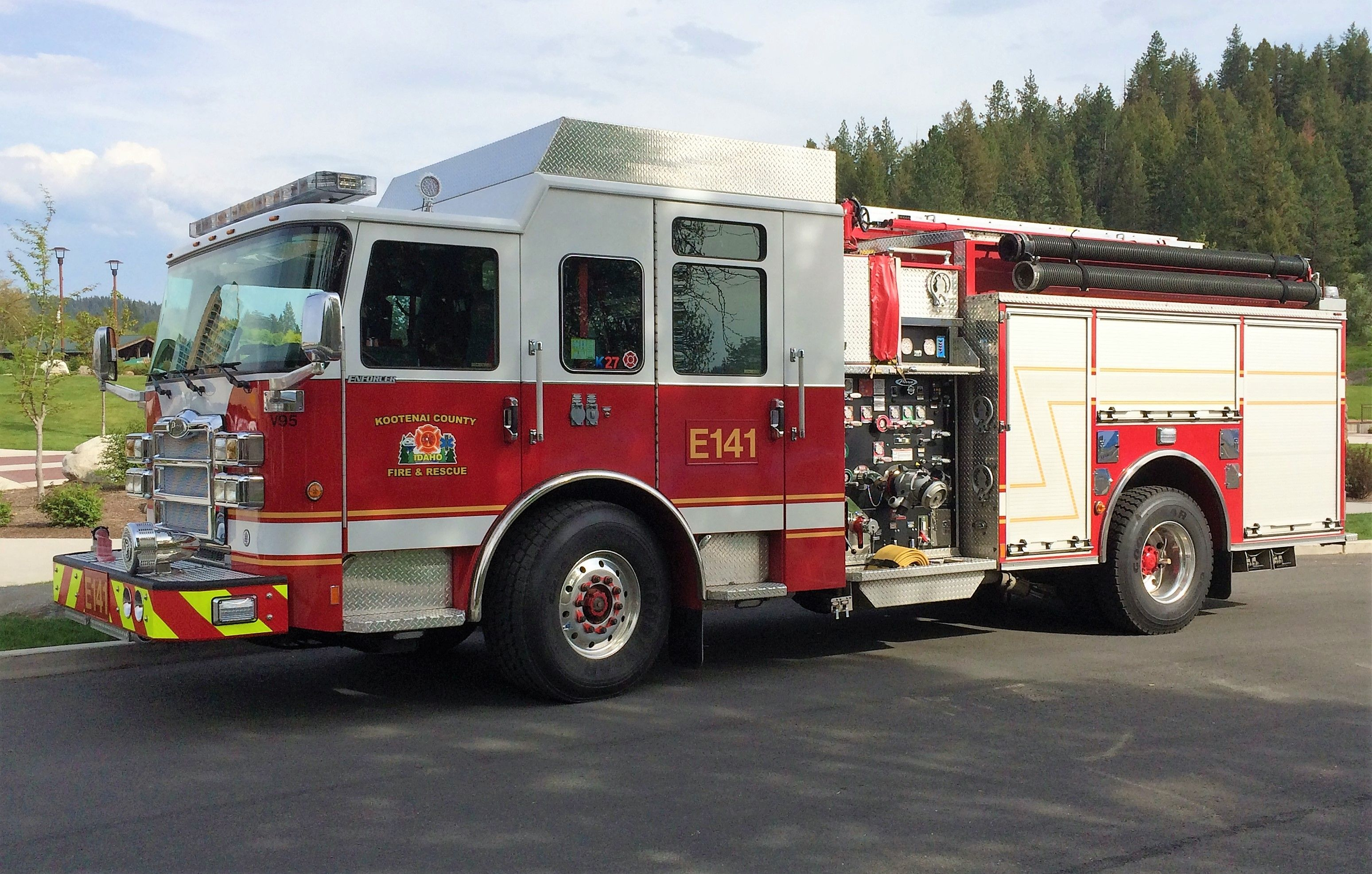 kootenai county fire rescue engine 141 couer d alene id pierce enforcer [ 3097 x 1972 Pixel ]
