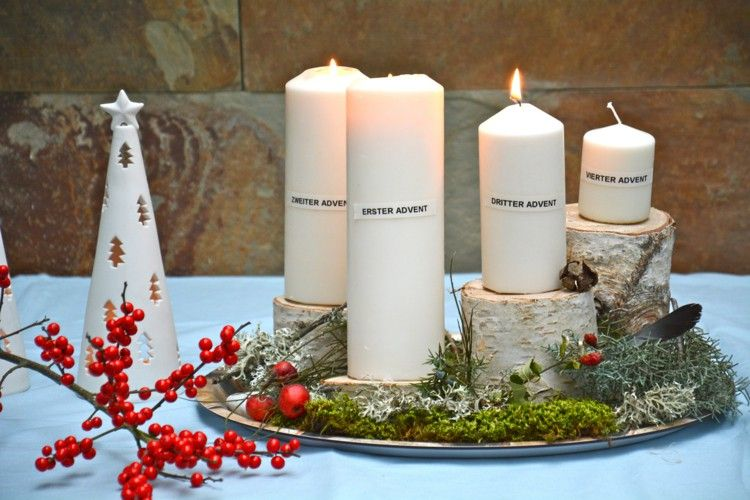 Christmas table decoration with an original advent wreath creation christmas table decoration with an original advent wreath creation solutioingenieria Image collections