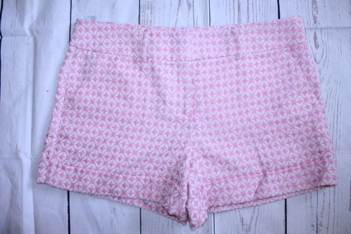 New York & Company Shorts 12 Pink Geometric 7th Ave Suiting Collection Shorts   #NewYorkCompany #DressShorts