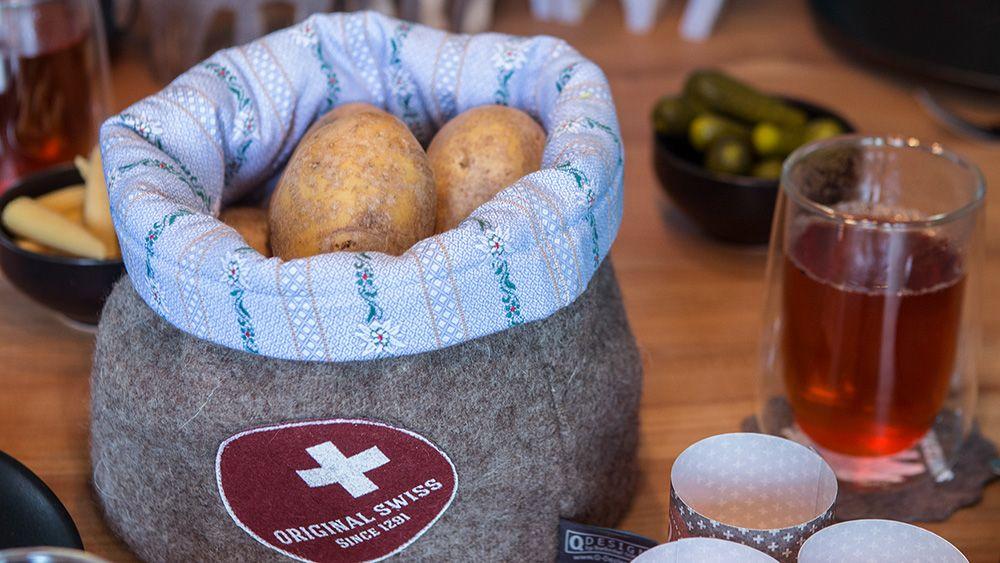 Typisch Schweiz Handgemachte Urchige Deko Tischdeko Und Geschenke