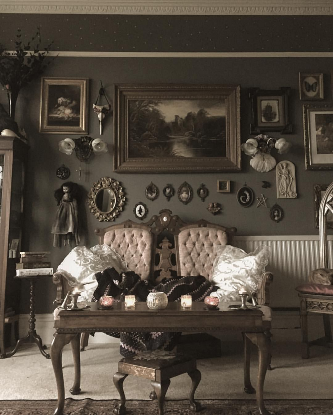 25 Incredible Gothic Living Room Design Decor Ideas For You